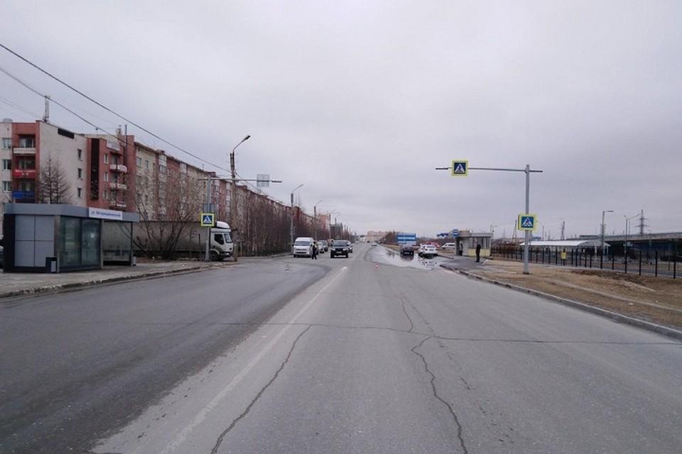 В Новом Уренгое водитель на иномарке сбил пешехода Фото: Госавтоинспекция Ямала