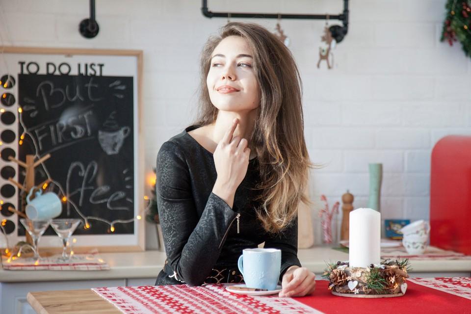 Кофеин оказывает мягкое стимулирующее действие, что повышает интеллектуальную активность, улучшает кровообращение, пищеварение.