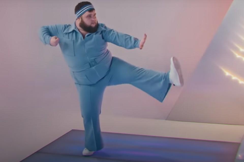 Алтайский «Пухляш», станцевавший в клипе Little Big, попал в Forbes