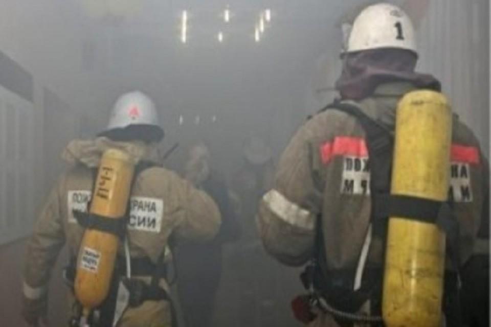 В Новом Уренгое горели два жилых дома Фото: 89.mchs.gov.ru