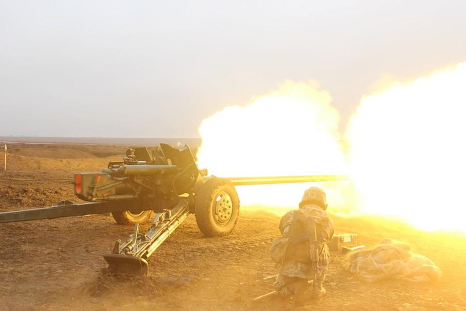 По Старомихайловке стреляли из пушек. Фото: Пресс-центр штаба ООС