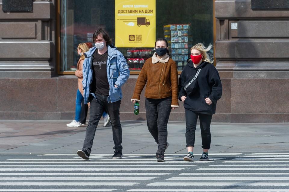 Из-за низкого индекса самоизоляции на майских праздниках сценарий эпидемии в Санкт-Петербурге перешел из умеренного в пессимистический.