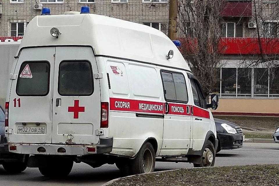 Водителя и пассажира увезли на скорой в тверскую горбольницу.