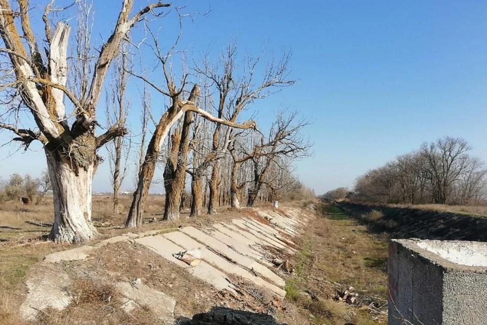 Уже шесть лет Северо-Крымский канал стоит пересохшим