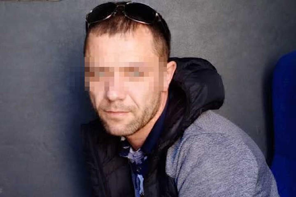 Полиция задержала мужчину, которого подозревают в жарке сосисок на вечном огне. Фото: ГУ МВД по СПб и ЛО