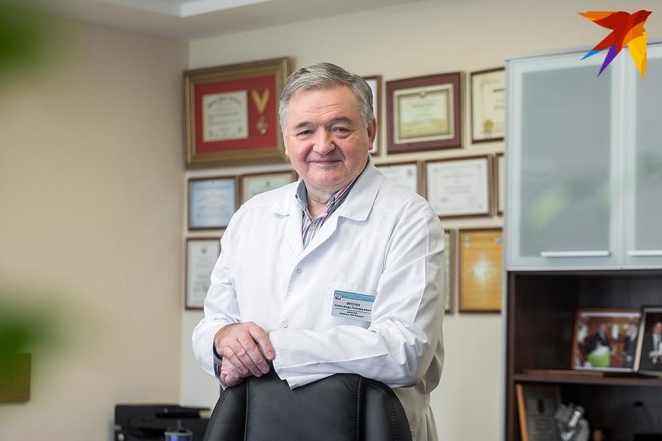 Главный кардиолог Минздрава Беларуси Александр Мрочек: Смертность от COVID-19 у нас низкая, возможно, потому что в 2003 году белорусы массово переболели атипичными пневмониями.