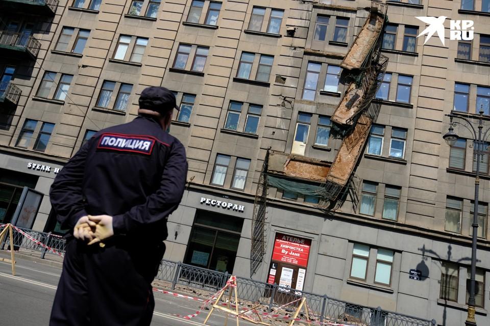 На Кирочной улице обрушились балконы.