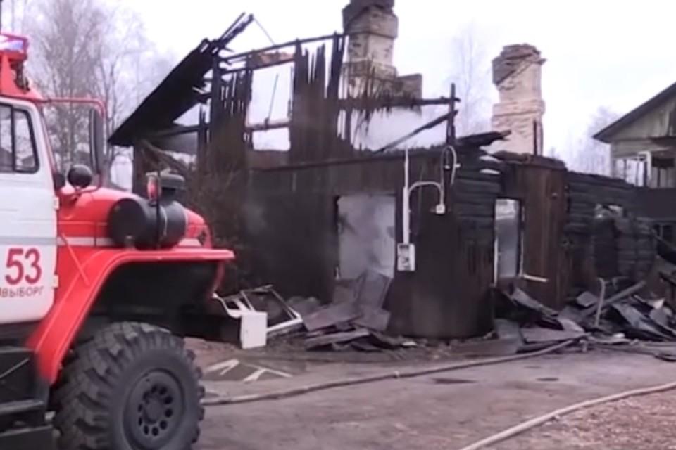 Чиновницу, обвиняемую в халатности после пожара в Выборге, где сгорели шестеро детей, посадили под домашний арест. Фото: ГУ МЧС по Ленобласти
