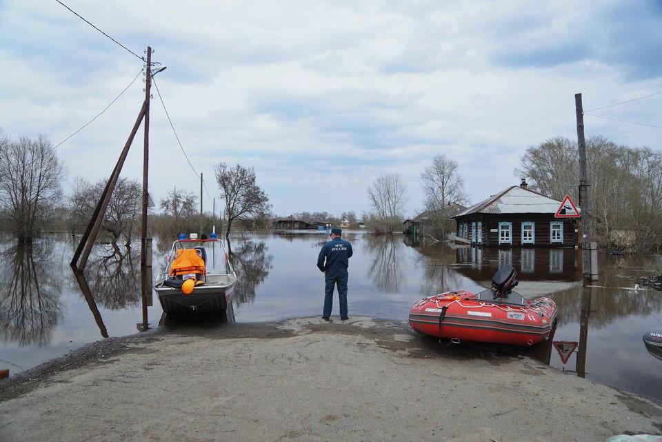 Выходя на воду соблюдайте правила безопасности и учитывайте прогноз погоды.