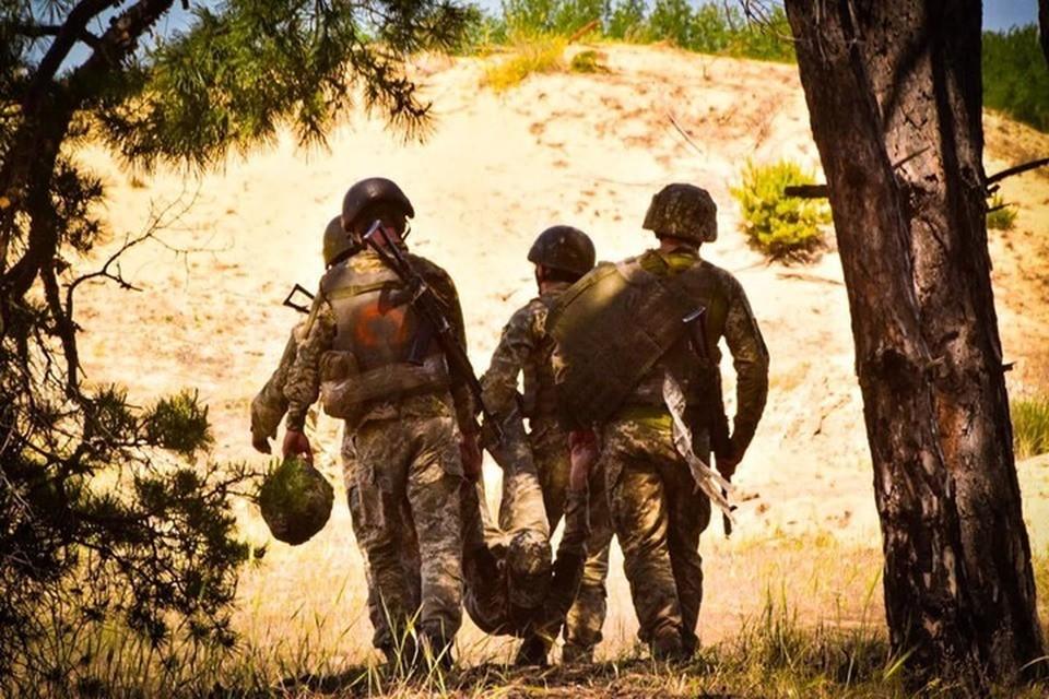 Тело матроса просто бросили в серой зоне Фото: facebook.com/36obrmp