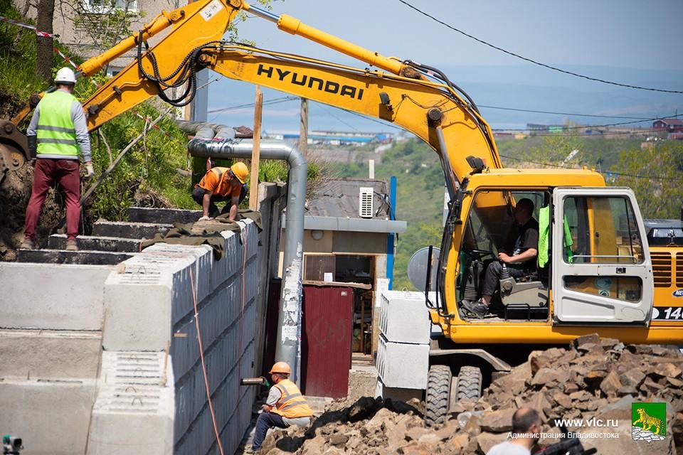 Новая подпорная стена появится во Владивостоке на улице Сабанеева