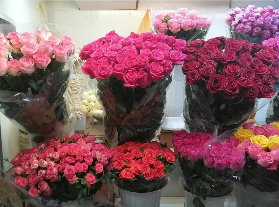 Rрупные онлайн площадки цветов сотрудничают напрямую с поставщиками и получают свежий товар из первых рук.