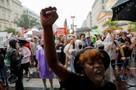 Почему белые целуют ботинки черным, а полиция переходит на сторону мародеров в США