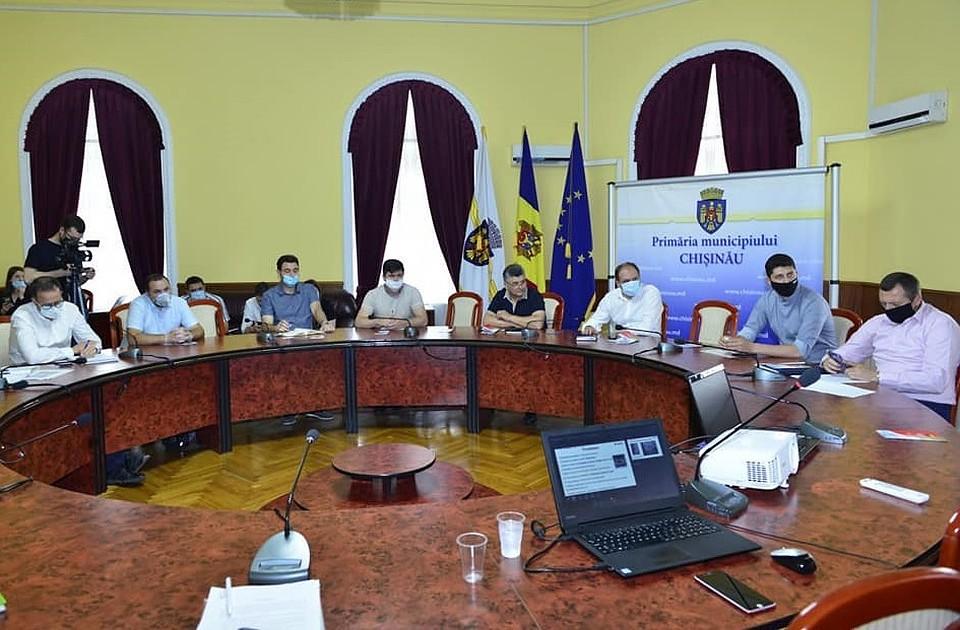 Ион Чебан рассказал, как добьется качественного ремонта дорог и тротуаров в Кишиневе