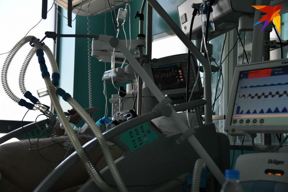 Шесть заболевших коронавирусом в Мурманской области подключены к ИВЛ.