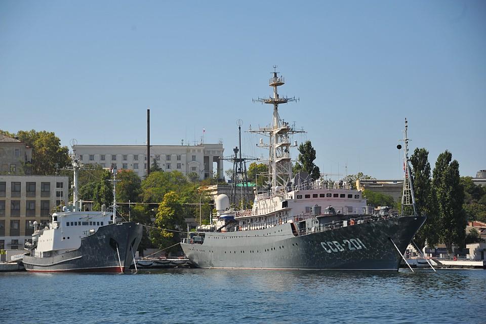Мы не можем арендовать сами у себя место для дислокации флота, а деньги за это платить Украине