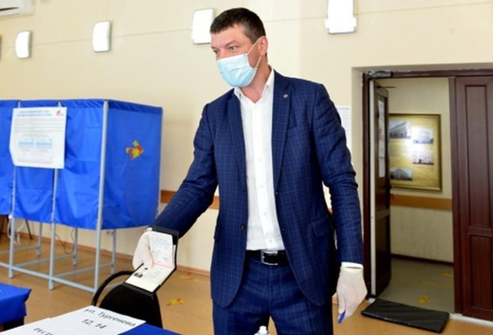 Тюменский депутат Евгений Макаренко: «Поправки касаются многих сфер». Фото - сайт Тюменской областной думы.