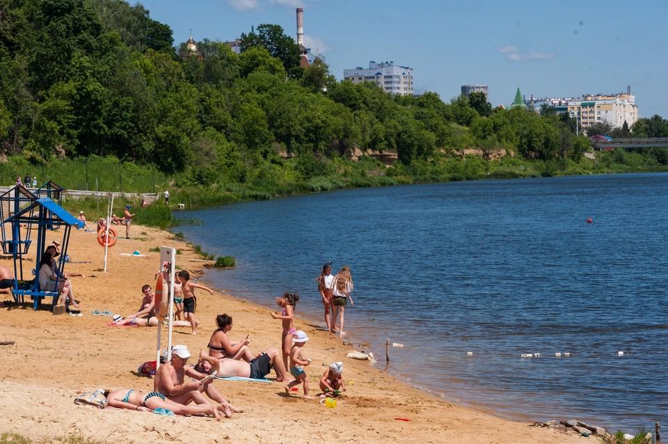 Мы собрали для читателей советы специалистов как без вреда для здоровья уберечься от летней жары
