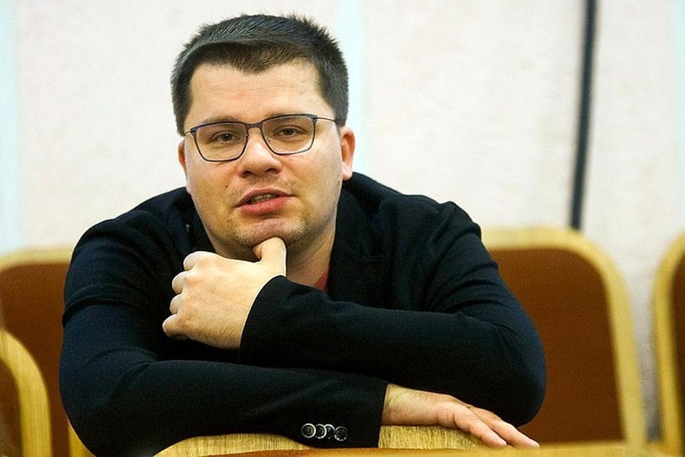 """Гарик Харламов, по мнению знакомых, """"шикует и жирует""""."""