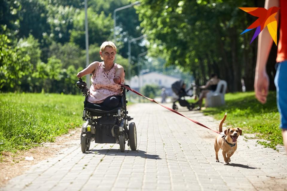 """Елена Василевич уверяет: """"Хоть родилась без рук и ног, но все равно считаю, что жизнь удалась""""."""