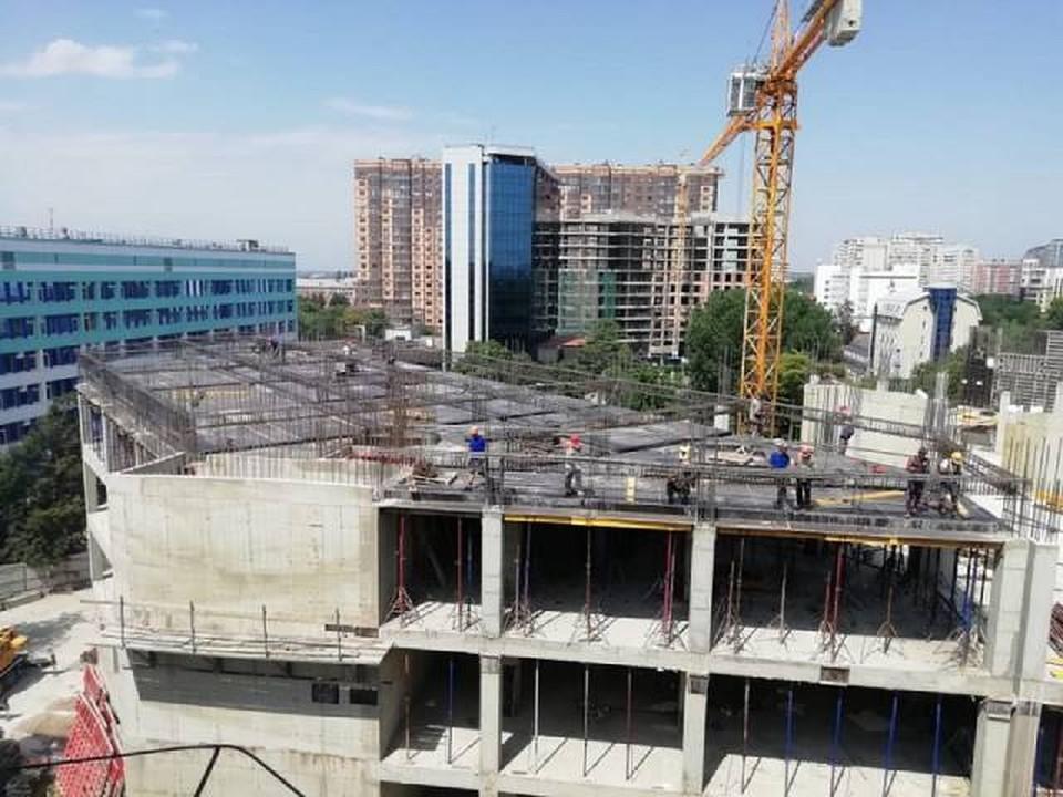 В Краснодаре продолжается строительство нового корпуса краевой детской больницы. Фото администрации КК