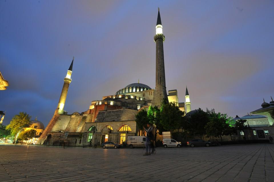 ЮНЕСКО признала собор Св.Софии памятником культурного наследия в 1985 году