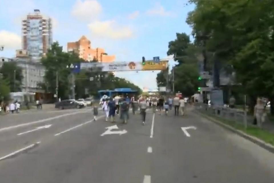 Люди вновь вышли на митинг в поддержку губернатора Сергея Фургала