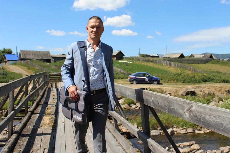 Игорь Гузов переехал в Тюлюк из Челябинска семь лет назад. Фото: УФПС Челябинской области