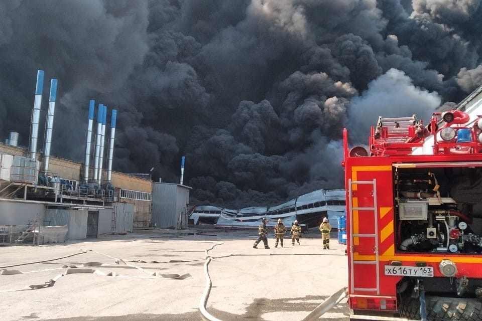 Прибывшие на место пожарные оказались в пекле. Фото: МЧС