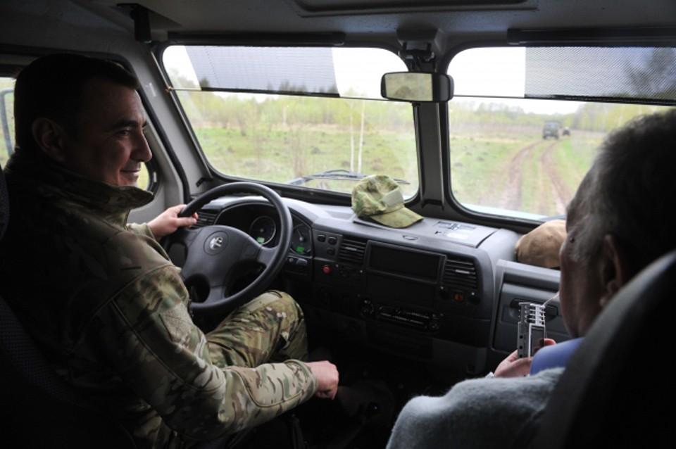 До сел Терского района можно набраться только на вездеходе или вертолете.