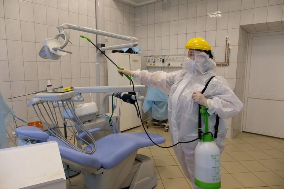 В больнице проводят тотальную дезинфекцию