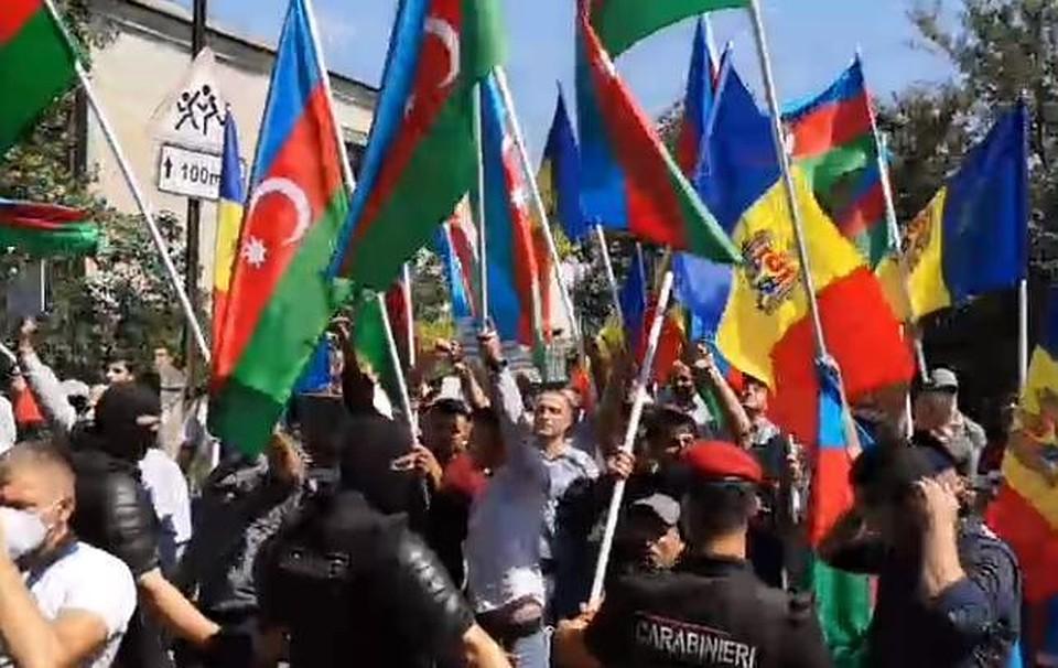 Обращение к армянам и азербайджанцам в Молдове: Уважайте дом, который вас приютил в кровавые 90-е