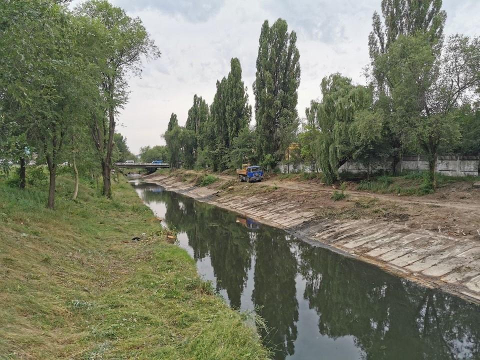 Очистка русла реки Бык продолжается, первые изменения уже видны