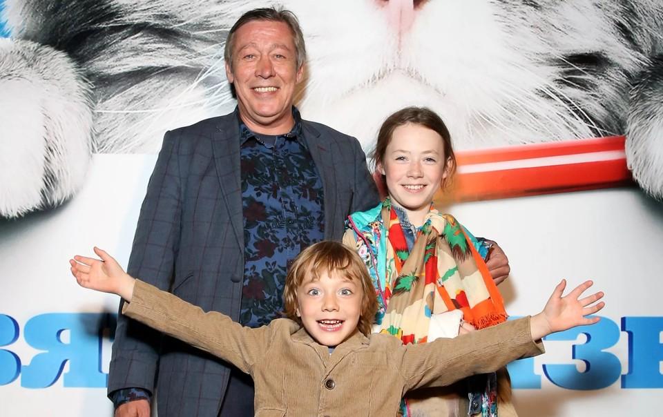 Михаил Ефремов с дочкой Верой и сыном Борисом.