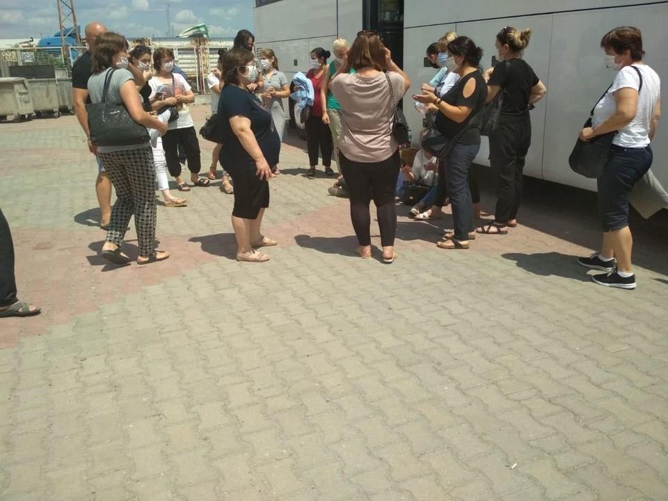 На границе Турции и Болгарии застрял молдавский автобус с туристами, который болгарские власти не пускали для транзита через свою страну.