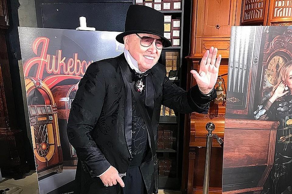 Модельер Вячеслав Зайцев мужественно борется с тяжeлой болезнью