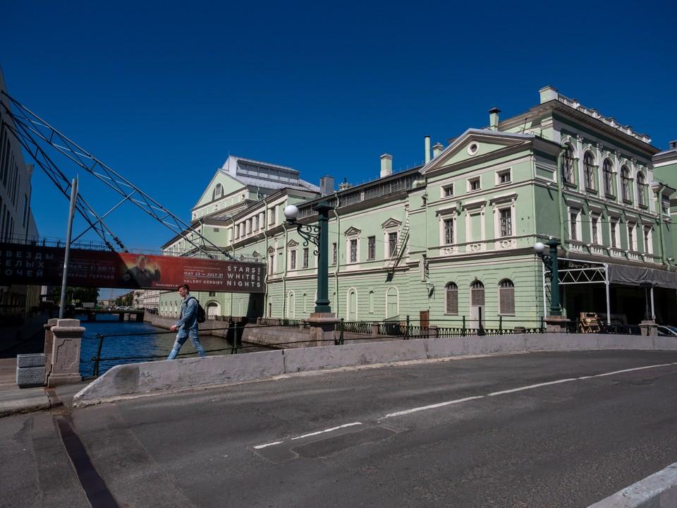 Мариинский театр возвращается к обычной работе с 1 августа.