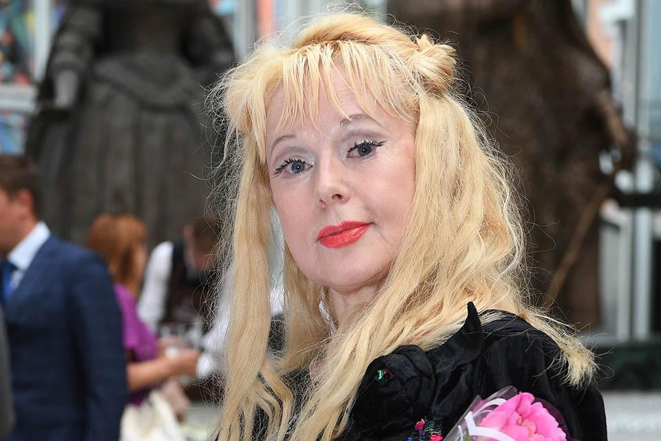 Состояние 62-летней актрисы, которая на прошлой неделе попала в реанимацию Боткинской больницы с подозрением на инсульт, улучшилось