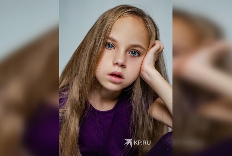 Наташа занимается в модельном агентстве уже больше полугода, и уже участвует в показах брендов детской одежды. Фото: представлено Надеждой Голышевой, мамой Наташи