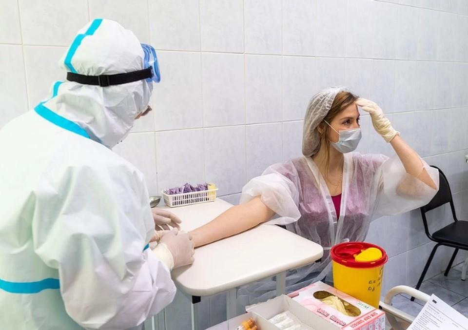 Из новых заболевших: 33 человека проходят лечение в больницах, 37 – амбулаторно на дому под наблюдением врачей.