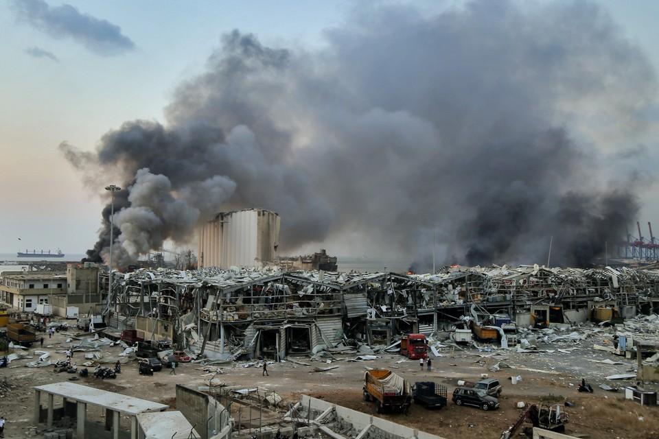 Взрыв уничтожил порт и его окрестности.