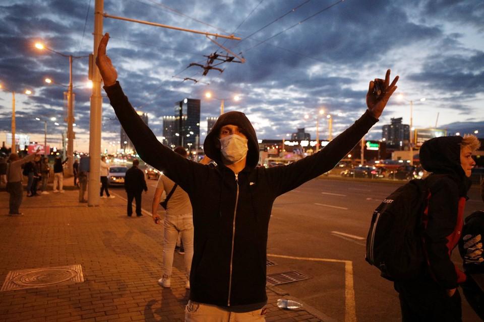 Протесты в Минске продолжаются третью ночь подряд