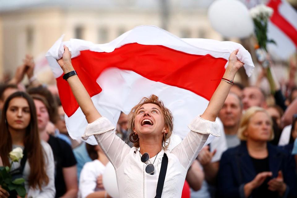 Серьезность намерений оппозиции в Белоруссии подтверждает то обстоятельство, что целых семь политических организаций страны подготовили свой план преобразования экономики страны в случае смены власти.