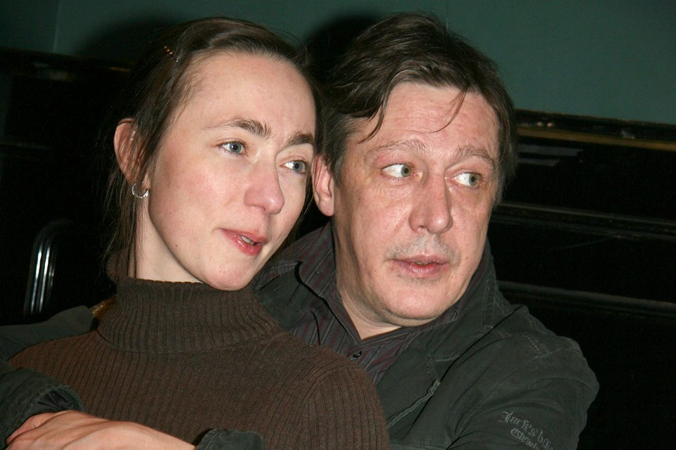 Рядом с Михаилом Ефремовым сейчас жена — Софья Кругликова заботиться о здоровье мужа.