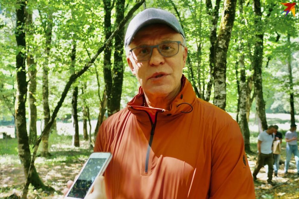 В горах Сочи Вячеслав Фетисов искупался в ледяном озере.