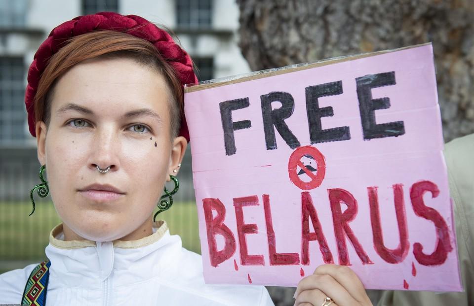 """Сколько будет стоить """"свобода"""" Беларуси?"""