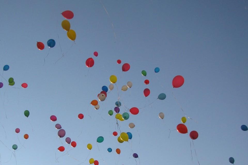 """Министерство обороны пресекло провокацию: со стороны Литвы к нам летели воздушные шары с """"антигосударственной символикой""""."""