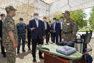 Президент Казахстана проинспектировал полигон в городе Арысь
