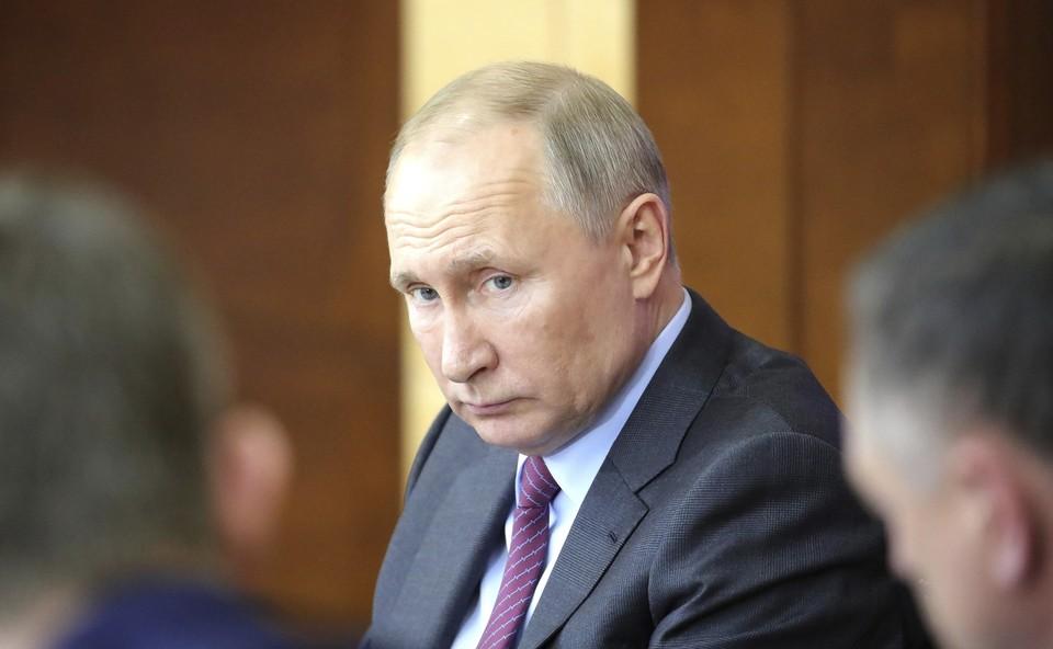 Владимир Путин надеется на мирное разрешение ситуации в республике