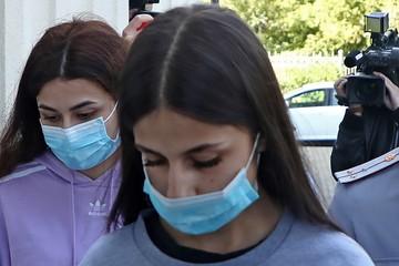 Присяжных по делу сестер Хачатурян не смогли отобрать, потому что все потерпевшие заболели коронавирусом